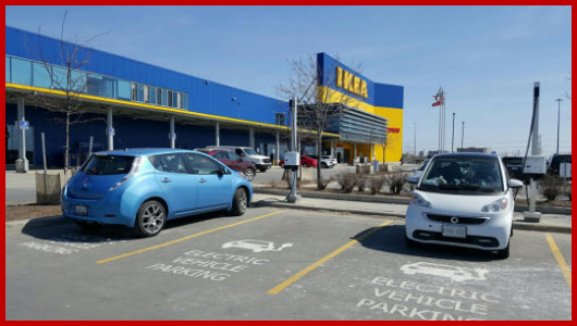 A LEAF and a Smart ED at IKEA